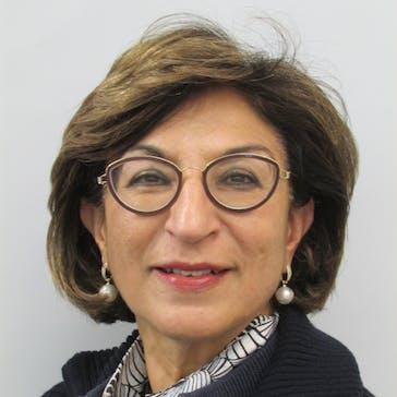 Dr Anu Caulfield Photo