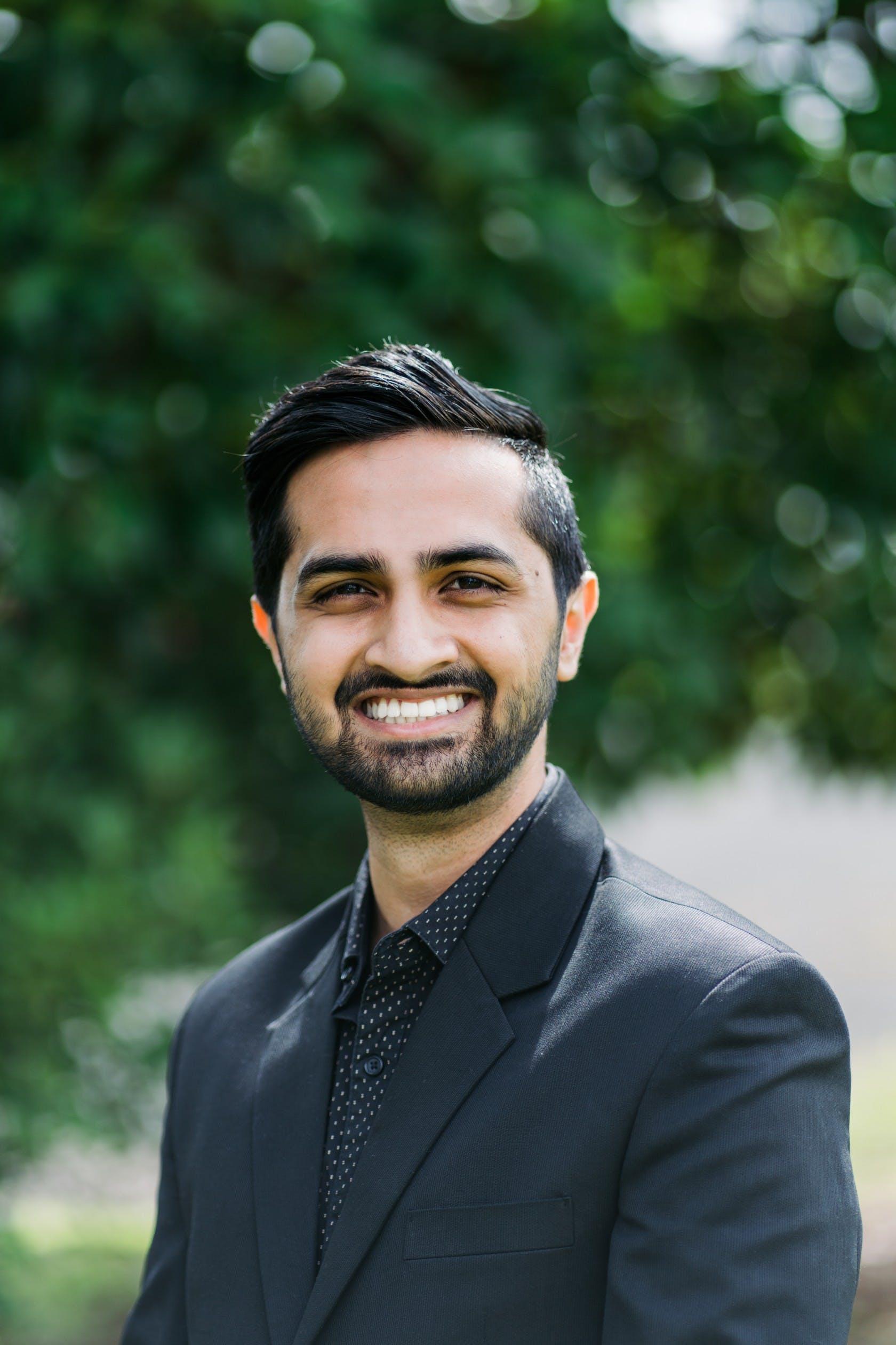 Photo of Dr Ahsen Khan