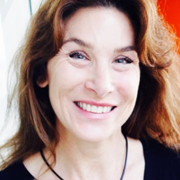 Dr Paula Barrie Photo