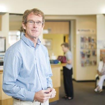 Dr James Farrent Photo