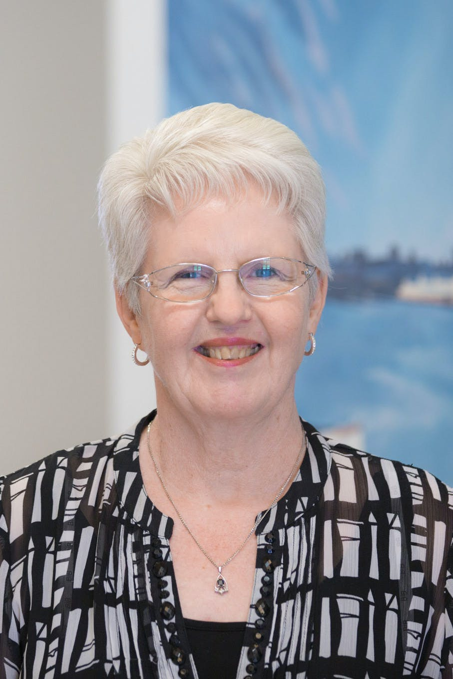 Photo of Dr Lyn Lawlor-Smith