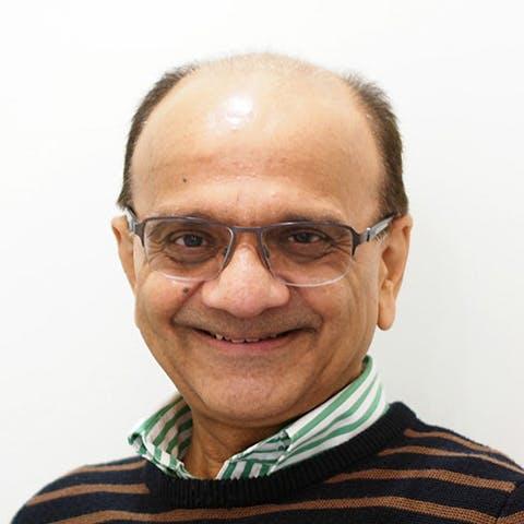 Photo of Dr Rakesh Mohindra