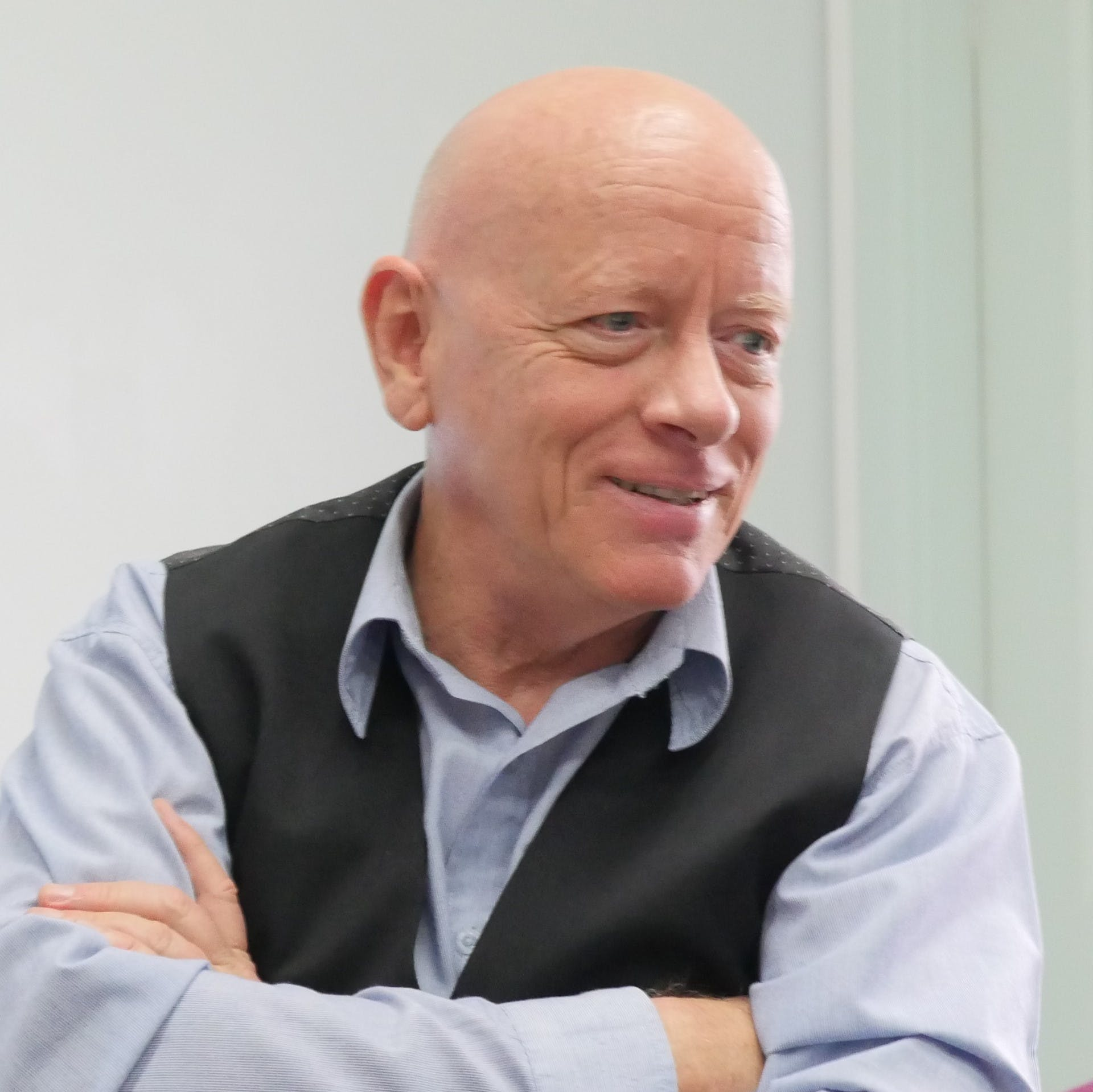 Photo of Dr Philip Carter
