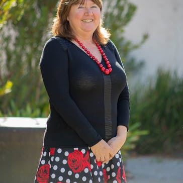 Dr Elizabeth Crouch Photo