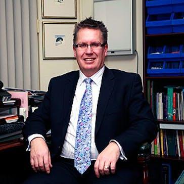 Dr Graeme Edwards Photo