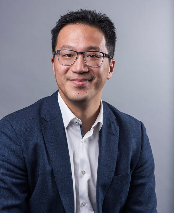 Photo of Dr Stephen Lee