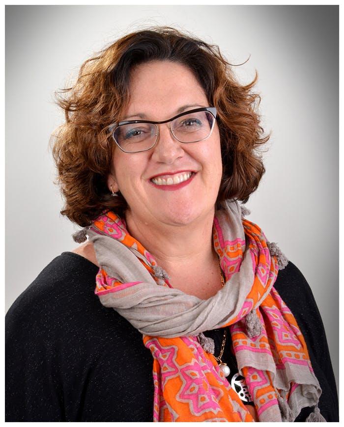 Photo of Dr Carolyn Royse