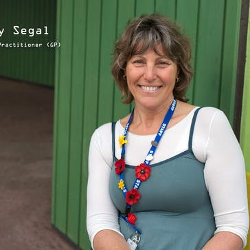 Dr Elizabeth Segal Photo