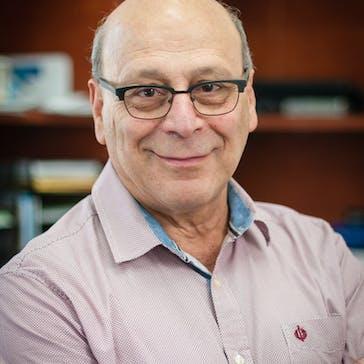 Dr Louis Papaelias Photo