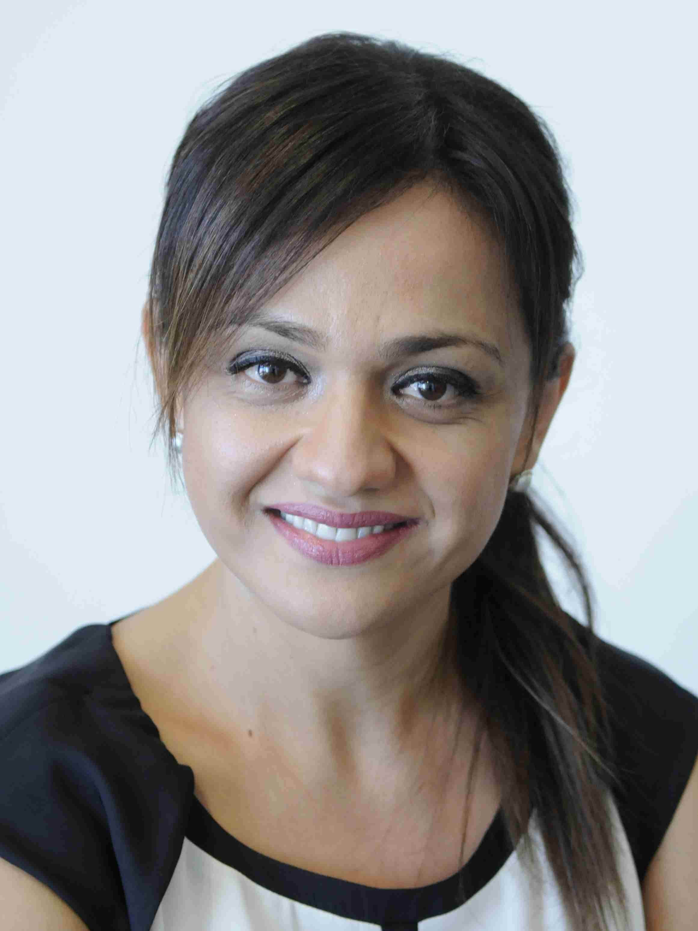 Photo of Dr Farnaz Dehghan