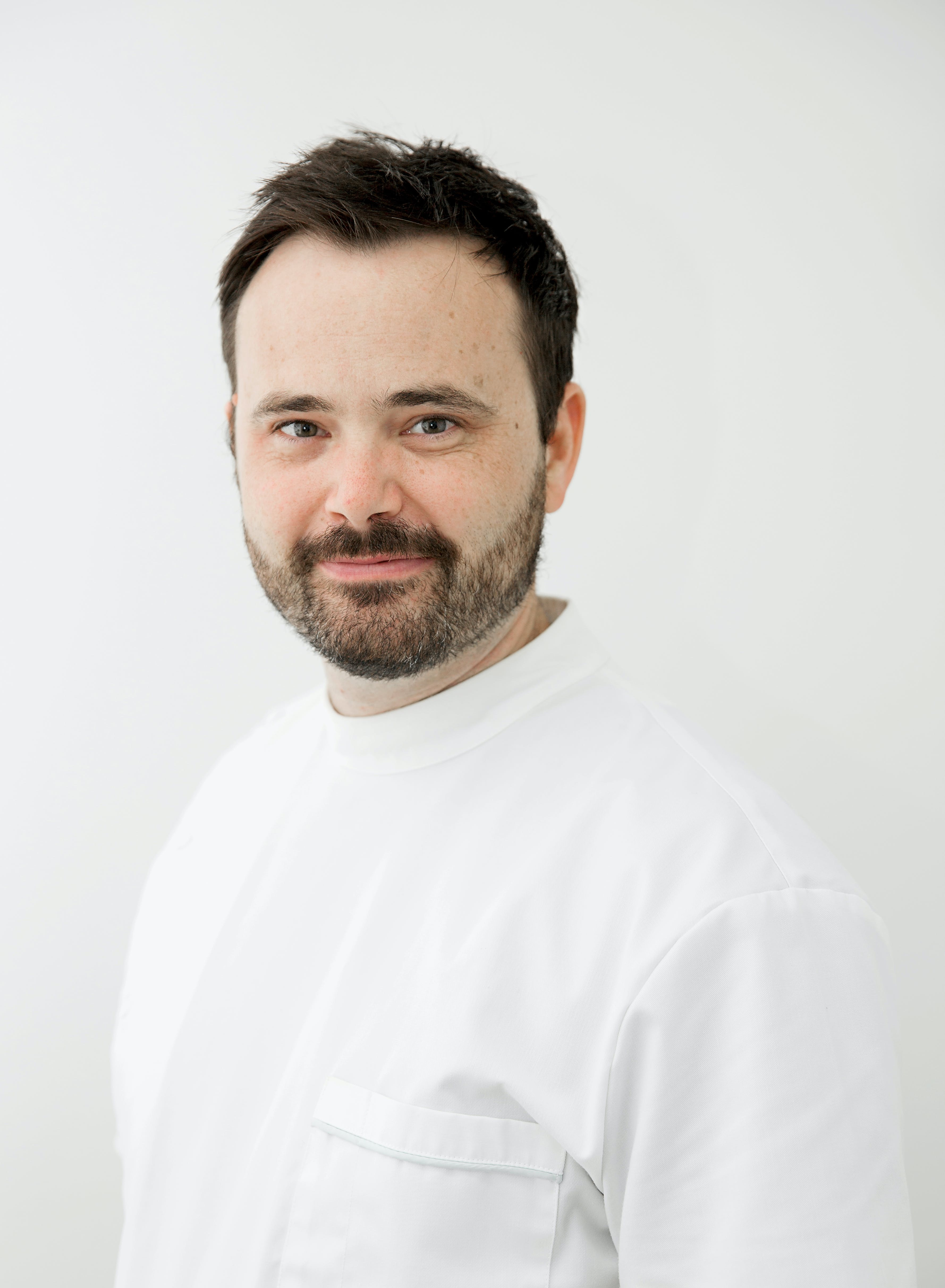Photo of Dr Heath Fraser