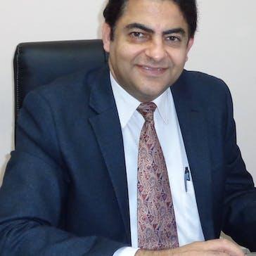 Dr Sanjeev Relan Photo