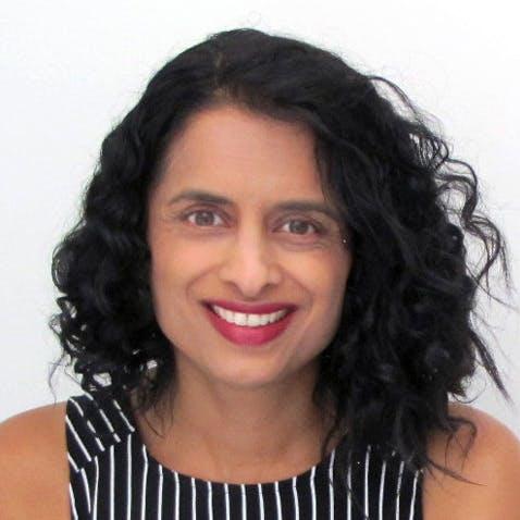 Photo of Dr Susanne Davis