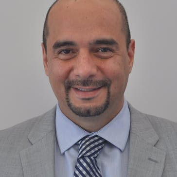 Dr Reza Naraghi Photo