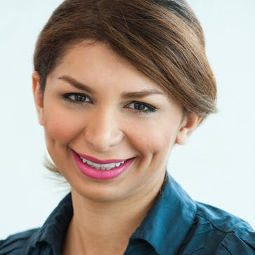 Dr Lily Taheri-Bidzard Photo