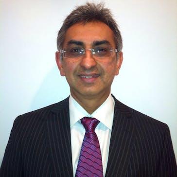 Dr Mukul Pandit Photo