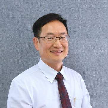 Dr Peter Louie Photo