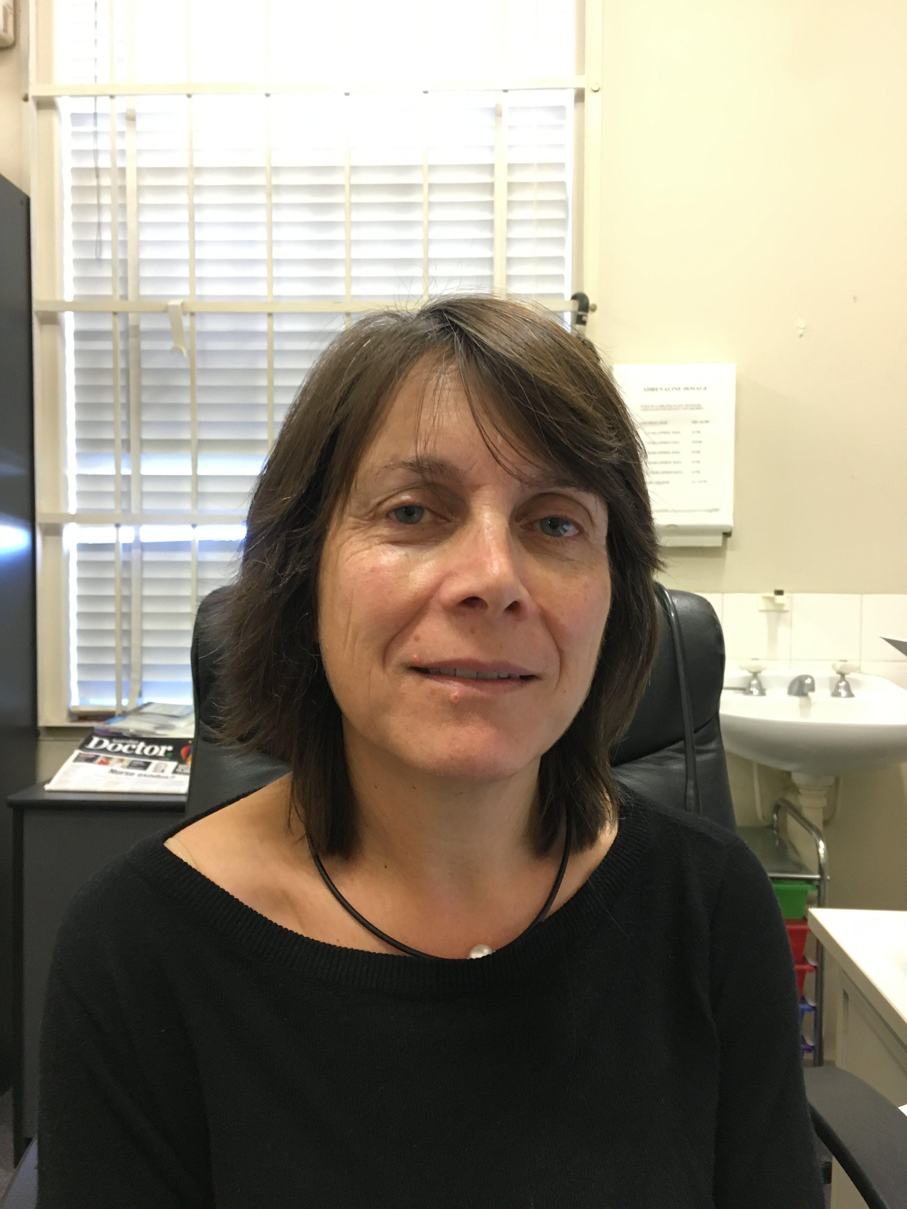 Photo of Dr Fiona Surveyor