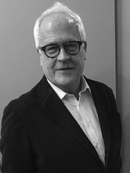 Photo of Dr David Roberts