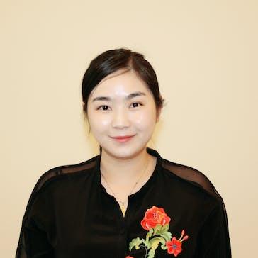 Dr Julia Zhu Photo