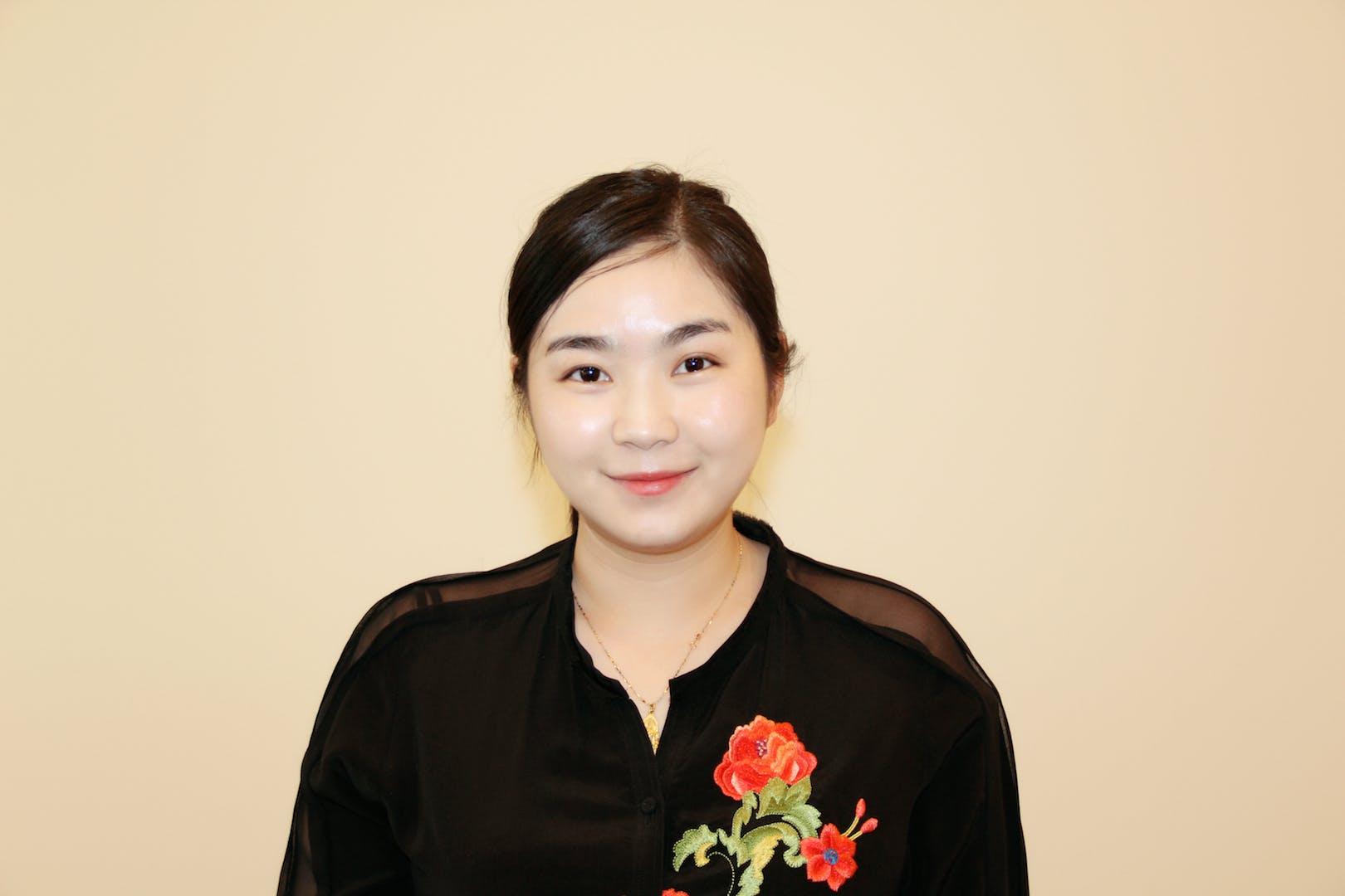 Photo of Dr Julia (Sijia) Zhu