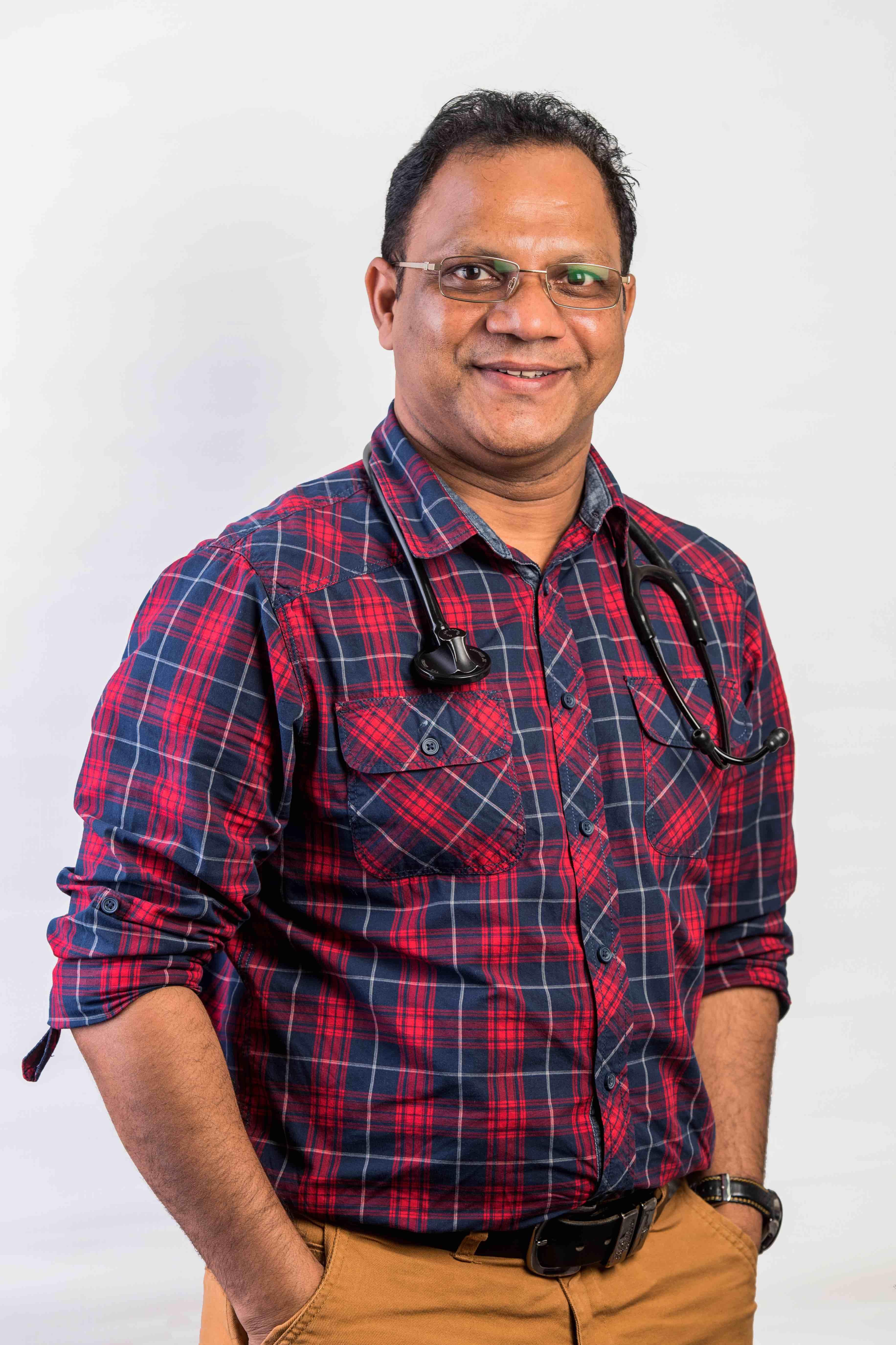 Photo of Dr Suresh Kesavan