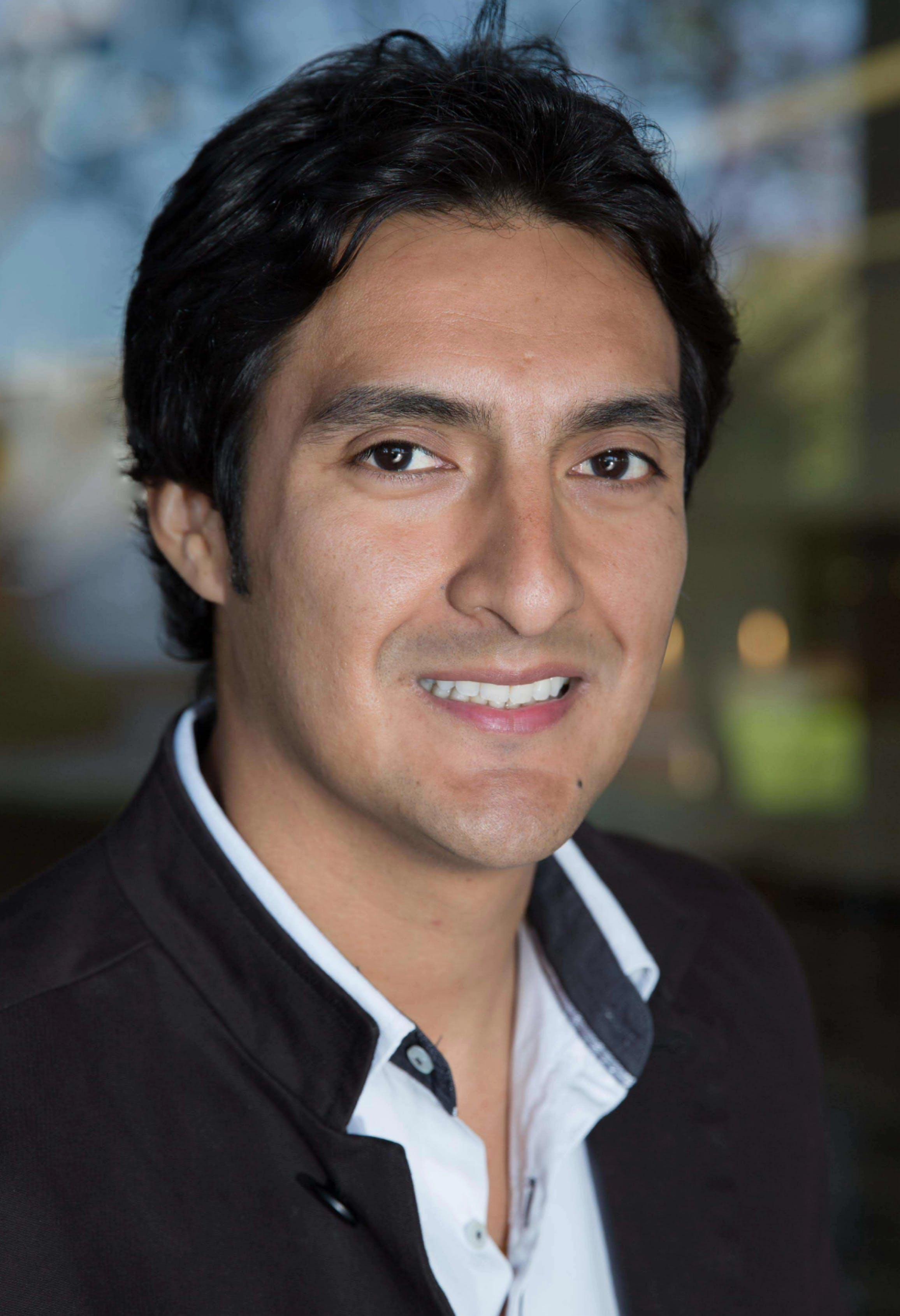 Photo of Dr Hugo Perez