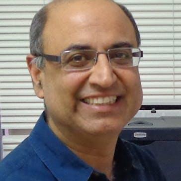 Dr Sanjay Saluja Photo