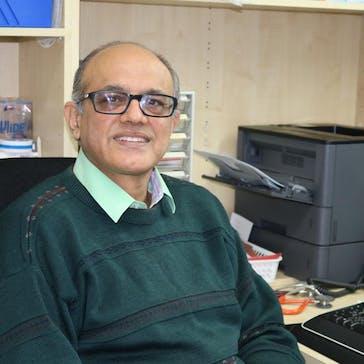 Dr Suni Vyas Photo