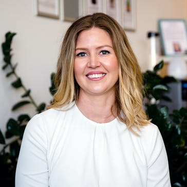 Dr Cherie Haigh - Chiropractor Photo