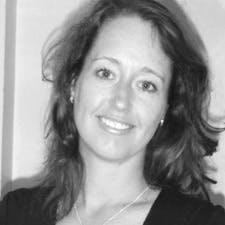 Photo of Dr Elizabeth Vuletich