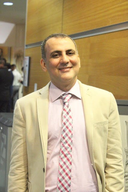 Photo of Dr Reza Heshmati