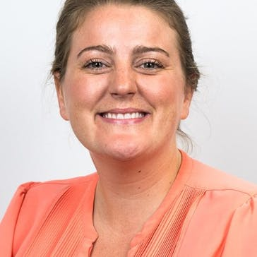 Dr Caroline Anderson Photo