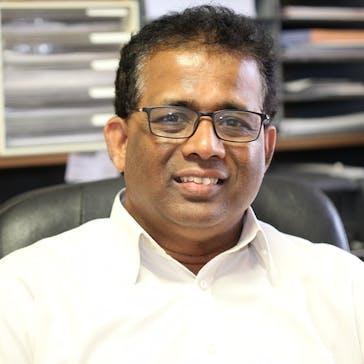 Dr Gamini Waragoda Photo
