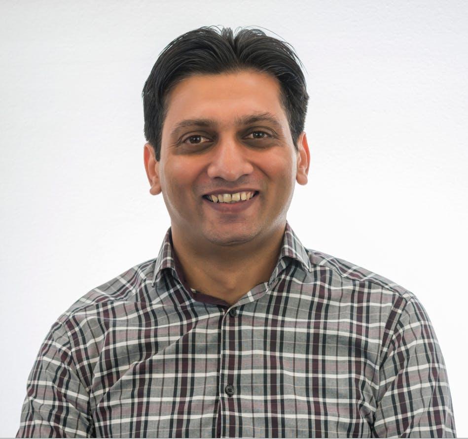 Photo of Dr Arif Majeed