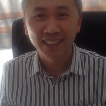 Dr Dzu Nguyen Photo
