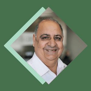Photo of Dr Vinay Bhalla