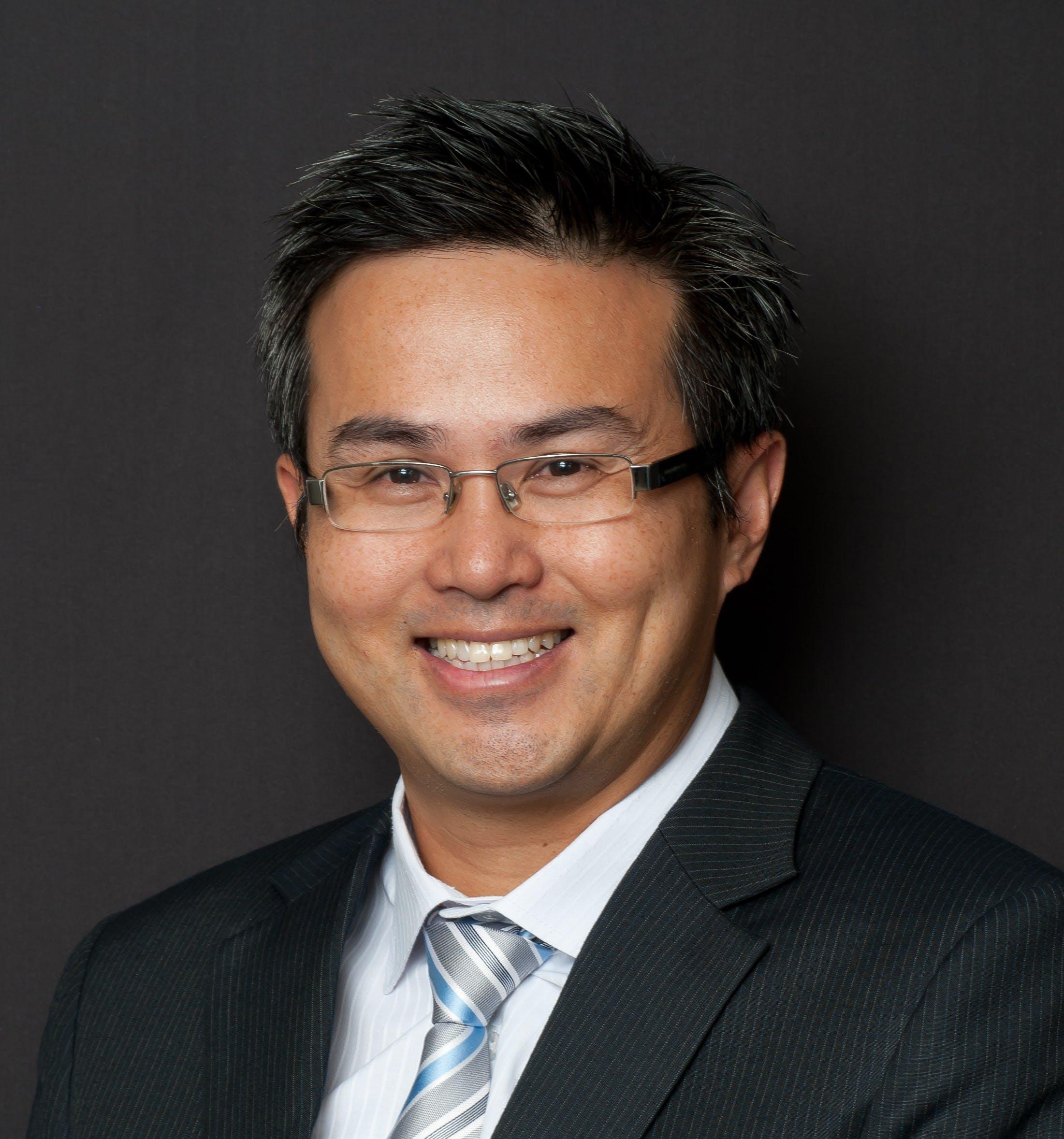 Photo of Dr Sam Chia
