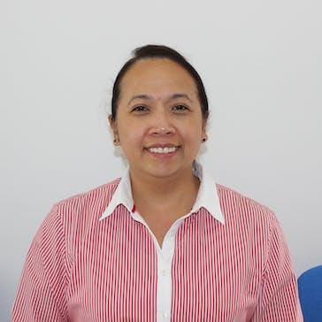 Dr Aliz Ang Photo