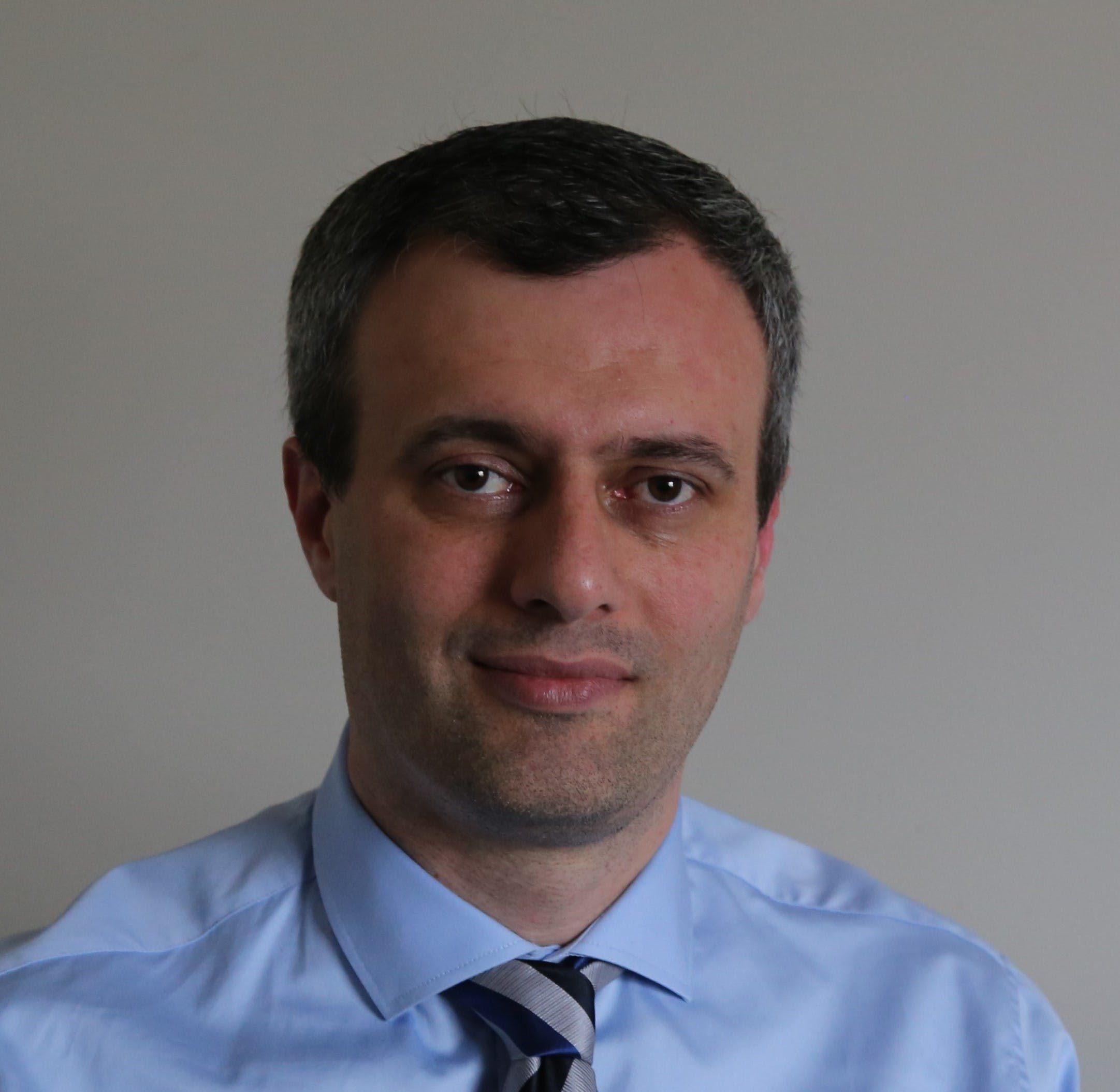 Photo of Dr Farzin Torabi