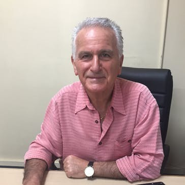 Dr George Gescheit Photo