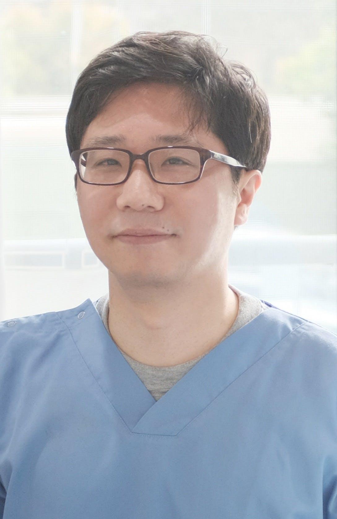 Photo of Dr Dong Eun Kim