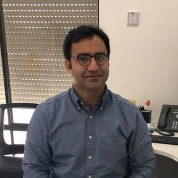 Dr Asim Akram Photo