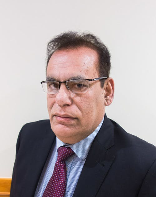 Photo of Dr Anwer Saeed