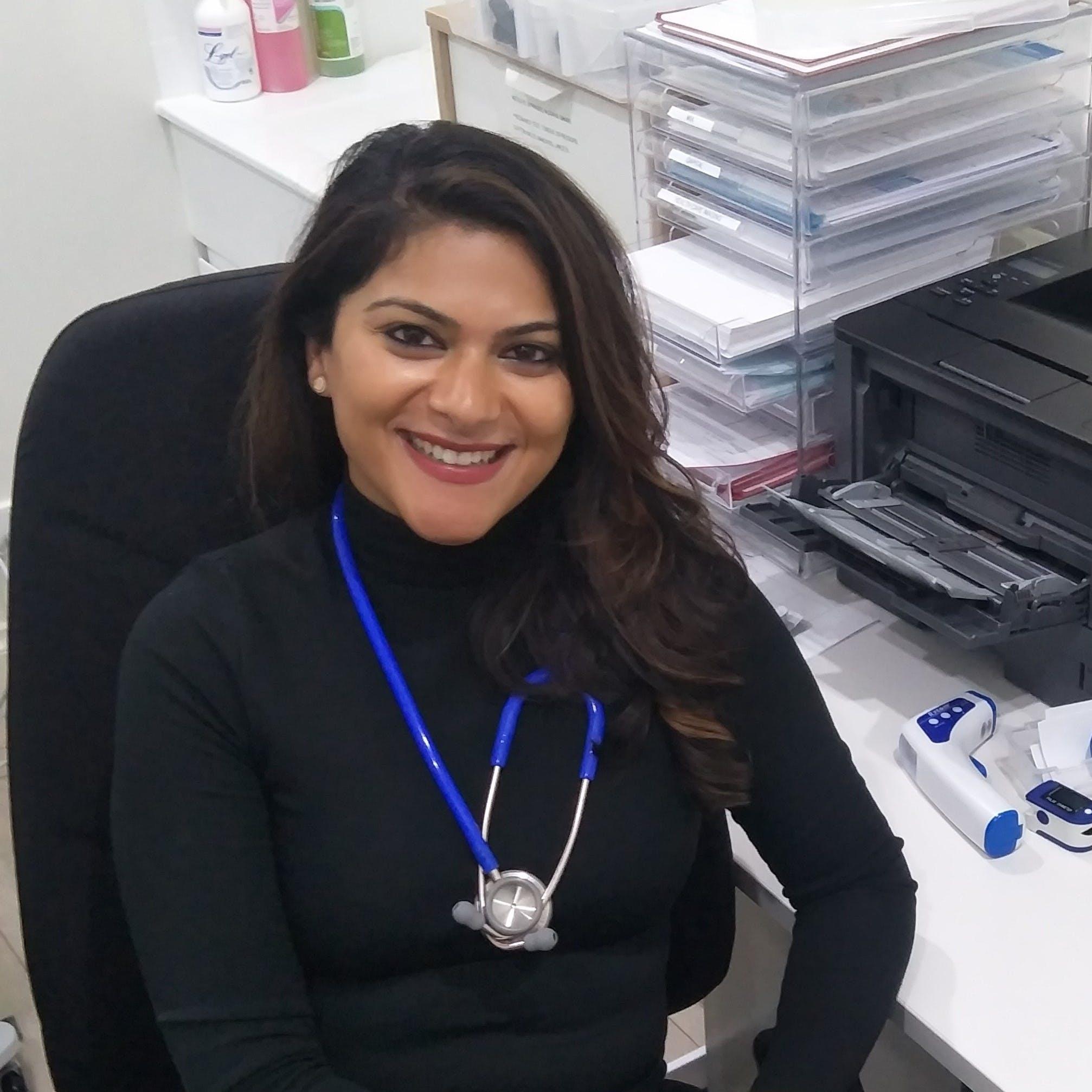 Photo of Dr Poonam Chuni