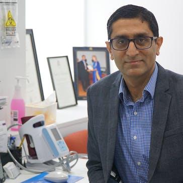 Dr Vinay Mehra Photo