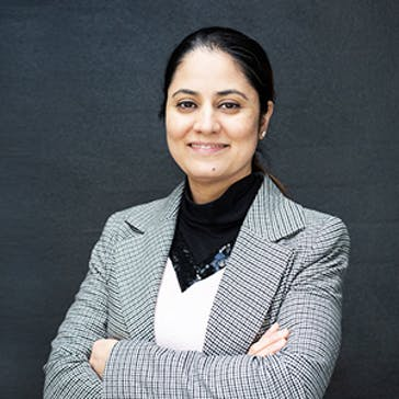 Dr Manu Kaur Photo