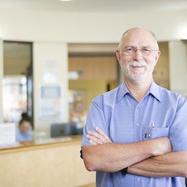 Dr Julian Monfries Photo