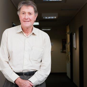 Dr Peter Garrett Photo
