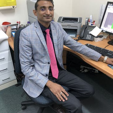 Dr Omi Jindal Photo